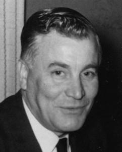 Axel Persson, Hov, Östervåla