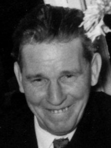 Olle Östlund, Hov, Östervåla