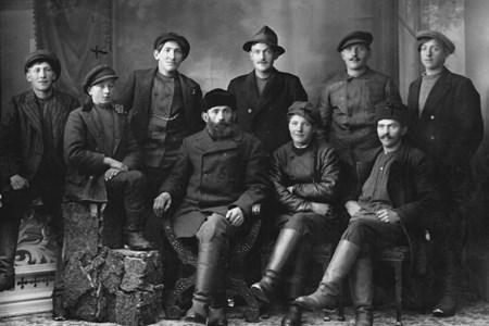 En grupp män från Gräsbo.jpg