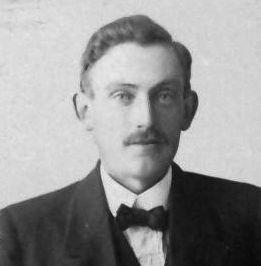 August Persson, Gräsbo, Östervåla