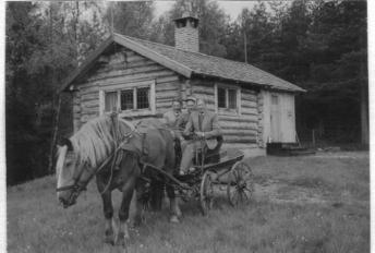 På Frostbåkk i Björnarvet i slutet av 1950-talet.JPG