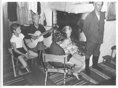 I Molinsgard i Sjurby ca 1955.jpg