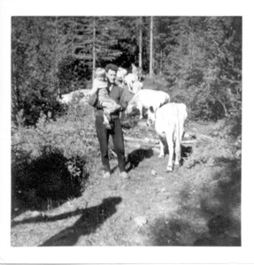 Sune Lövgren i Sjurby omkr 1960.jpg
