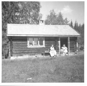 Vid Gutgard i Sjurby omkr 1960 - bild 2.jpg