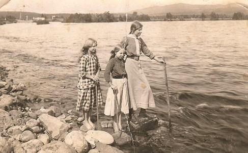 Anna Smedman och systrarna Nygren