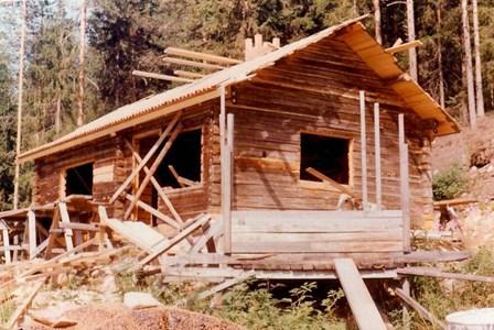 Kråkgard i Sjurby under ombyggnad i mitten av 1970-talet.jpg