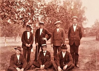 Kyrkbypojkar på Löten omkr. 1920