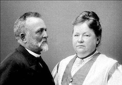 Fredrik Forsberg och hustrun Sofia i Skelleberga