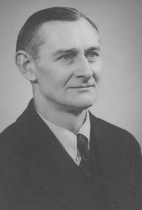 Dan Blücher, plåtslagarmästare