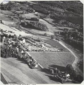 Flygfoto över Riseberga kyrka 1963
