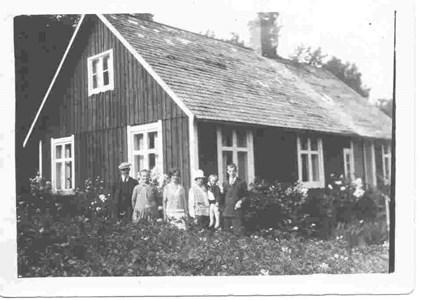 Henrik o Hulda Dybergs familj i Bökesåkra, 3