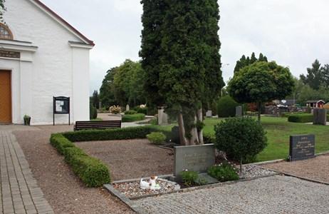 Riseberga kyrkogård, del av kvarter II