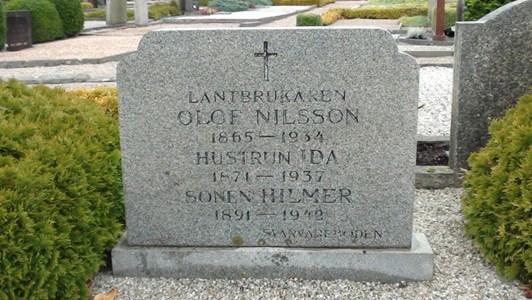 Olof Nilssons, från Svarvareboden, familjegrav