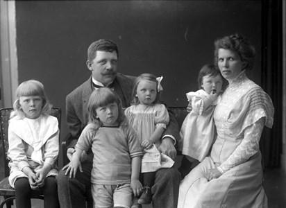 Familjen Wahlin i Skräddarehuset