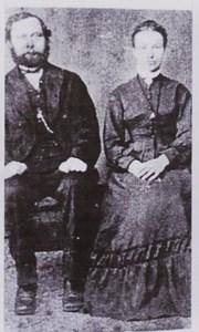 Anna Rasmusson f. 1838 i Danmark här med sin fader Rasmus