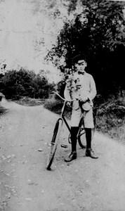 Nils Thornström med sin första cykel