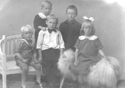August Olsson och Hulda Johanssons barn