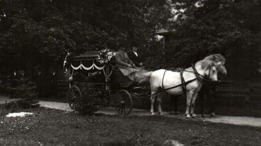 Begravningsvagnen