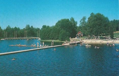 Badplatsen vid Hjortsjösjön