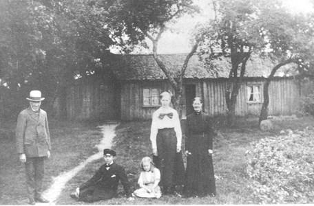 Familjen Ekstrand vid Hansabygget