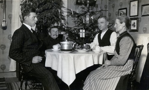 Kaffe i juletid hos Falks i Kvarnstugan