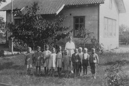 93-43-6 Trottorp skola skolfoto.JPG