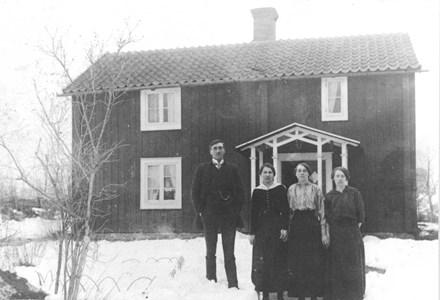 96-78-09 Spikabacken , Skällby ca 1915.jpg