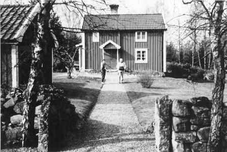96-39-09 Skogstorp Resby 1985.jpg