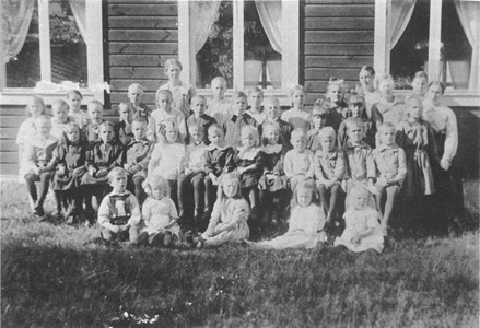 96-63-09 Söndagsskola Missionshuset i Trottorp 1920..jpg