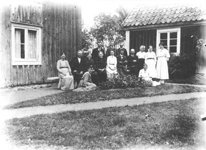 97-35-10 Skällbybor hos Per Johansson, Sörgården.jpg