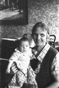 Ella Wahlberg m dotter bild619..JPG