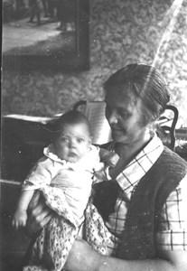 Ella Wahlberg, Vinterbo, m dotter Bo bild653..JPG