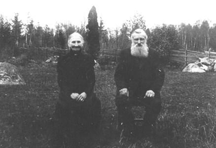Gustaf Nilsson m fru Kristina, Olsbo 92-49.JPG