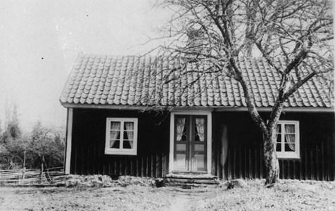 Prästlycke mittför Båtsmansstugan 87-27..JPG