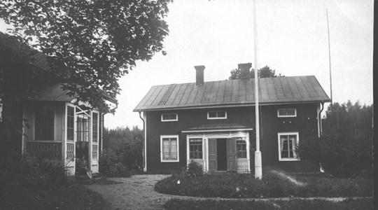 Skålbo gård, lillstugan