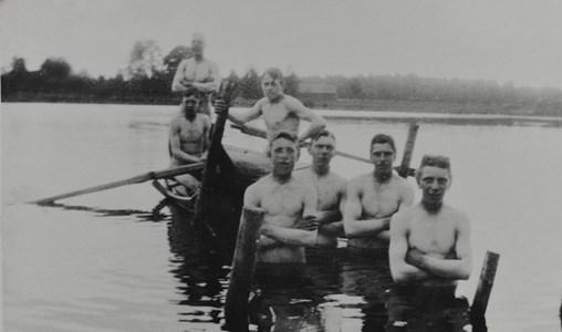 Badande i Svarttorpssjön