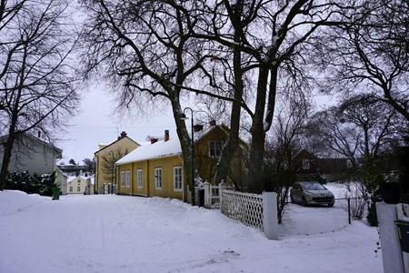 Järnvägsgatan med Tandvårdshuset i fonden, 2016