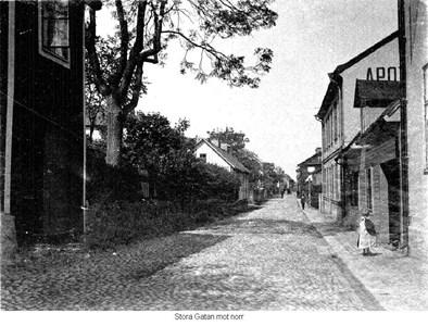 Storgatan mot norr, till höger gård 27