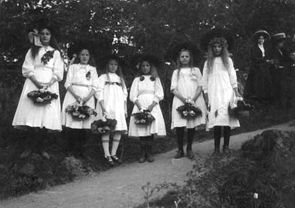 Blomsterflickor i Blomstertåget 1907