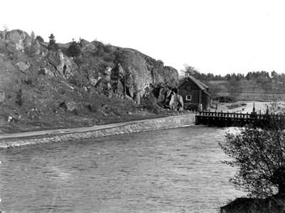 Dammvaktarstugan nedanför Holmberget ,1897