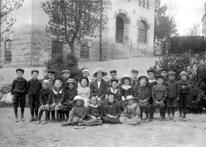 Skolfoto vid Kyrkskolan