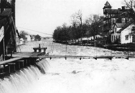 Gungbron över Aliforsen, 1910-tal