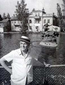 Allan Ebeling framför Tors Bockar