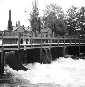 Holmens gård och fallet, 1946