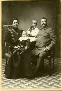 Fältskär Källén med familj