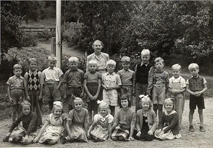 Elever vid Hedåsens skola.jpg