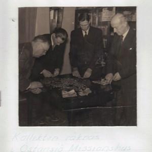 Kollekten  räknas 1934.jpg
