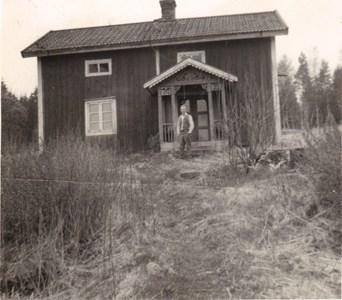 Lasse Pettersson framför Bygget