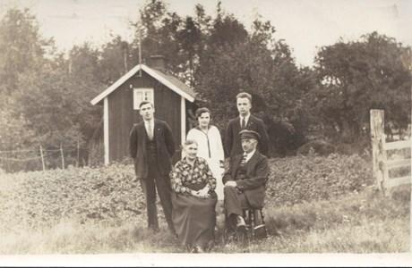 Sandhem Per Erik och Maria med barn