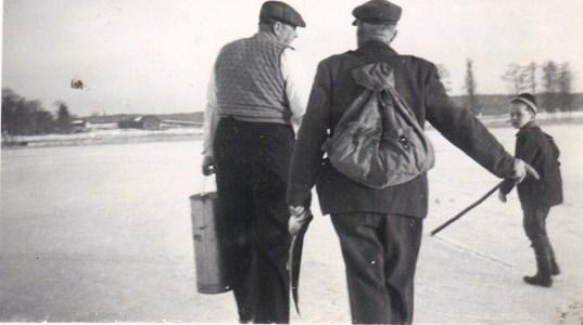 Gösta i Sjörs och Henning i Karstorp med Börje.jpg